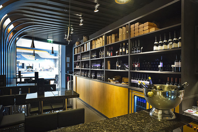 Vina Sturm - vinoteka v nakupovalnem centru Qulandia, Novo mesto